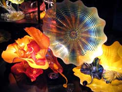 Chihuly glass bottomed bottom