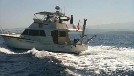 French cabin cruiser La Dignite - Al Karama